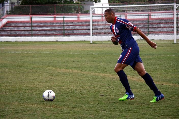 Yago aprova desafio no exterior e espera chamar a atenção de outros clubes.