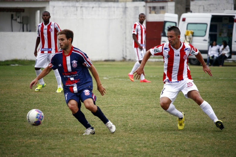 Treinador elogiou postura do Gonçalense em vitórias como a sobre o Bangu. Foto: Gabriel Farias.