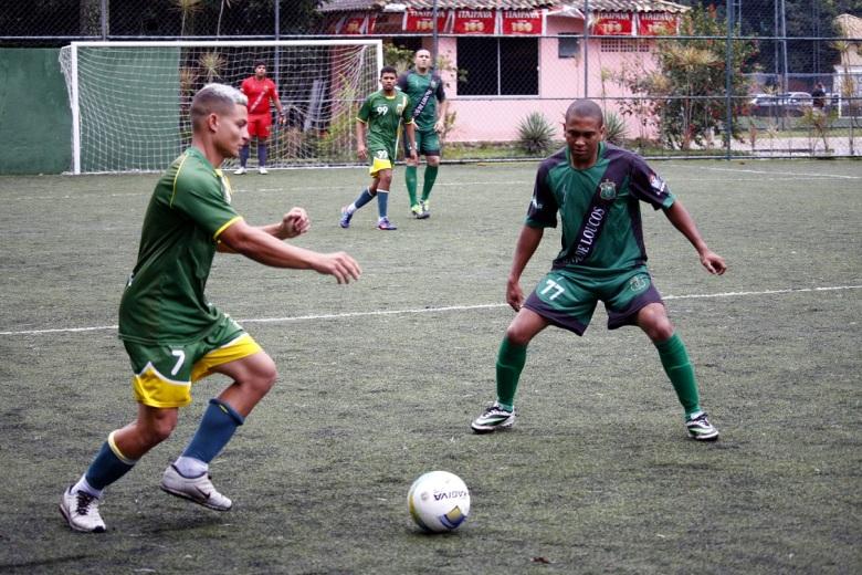 Master e Bando de Loucos: luta contra a degola, mas esperança no G-8. Foto: FG.