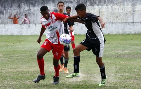 O Karanba (de preto) avançou em primeiro no Grupo B. Foto: Gabriel Farias.
