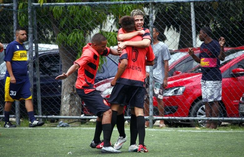 Jogadores do PSG comemoram um dos gols da goleada sobre o Boca Juniors. Foto: Gabriel Farias.