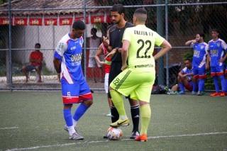 O City, de amarelo, vai liderando o Grupo A. Foto: Gabriel Farias.