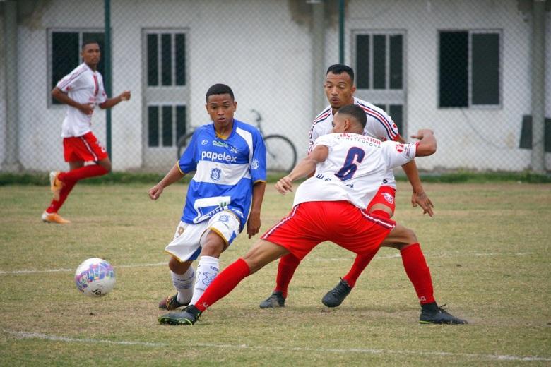 Jogo apresentou ritmo intenso do início ao fim no Catarinão, em São Gonçalo.