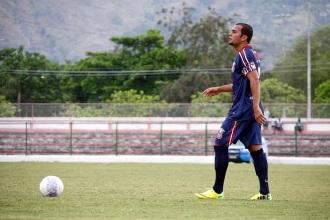 Thiaguinho foi um dos mais experientes em campo pelo time B. Foto: Gabriel Farias.