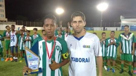 Capitão do Planalto é premiado após a final. Foto: Divulgação/LDI.