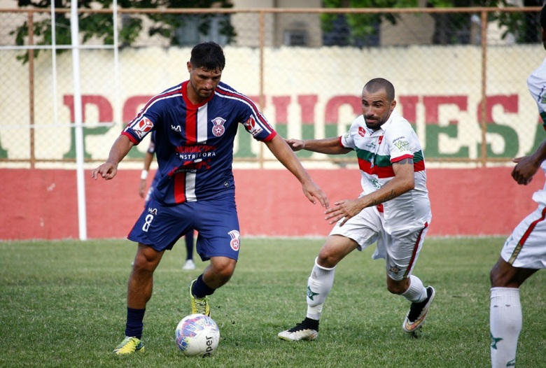 Partida se manteve equilibrada até o último minuto no Estádio Luso Brasileiro.
